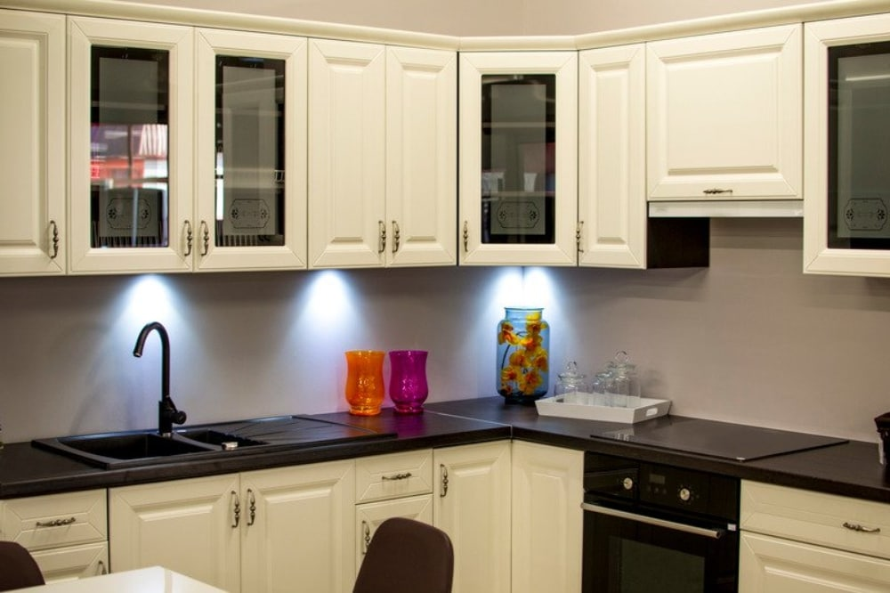 Fabulous 5 Mistakes To Avoid When Painting Kitchen Cabinets In The Home Interior And Landscaping Transignezvosmurscom